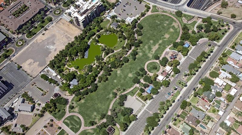 Dieser Park grenzt fast unmittelbar an den japanischen Garten der Freundschaft an. Der Park zählt vermutlich nicht zu den schönsten Grünanlagen von Phoenix. (#01)