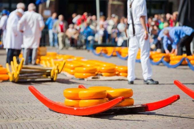 Ich bin bekennender Käseliebhaber und daher ist ein Stopp auf dem gigantischen Käsemarkt in Alkmaar für mich Pflicht. Darüber hinaus plane ich auch das Käsemuseum zu besuchen, ich will hier Infos über die traditionelle Käseherstellung bekommen. (#2)