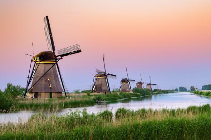 Der letzte Stopp auf meiner Motorhome Route durch die Niederlande wird Kinderdijk sein. Hier möchte ich mir die wundervollen Windmühlen, möglichst bei klarem Himmel und bei einem wunderschönen Sonnenuntergang, ansehen. (#5)